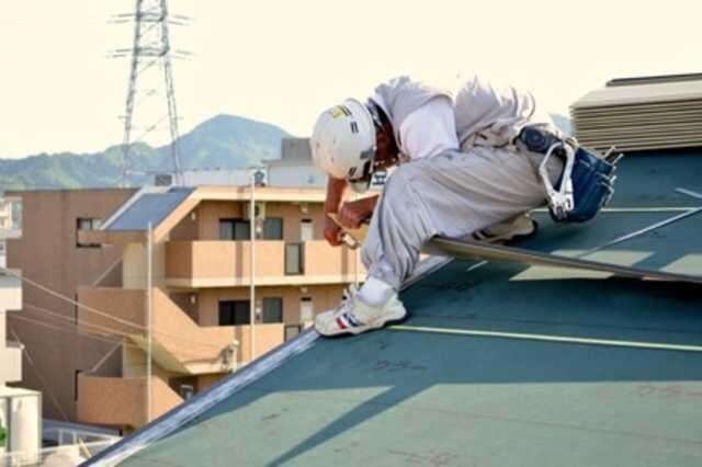 屋根の葺き替えと重ね葺き(カバー工法)の違い