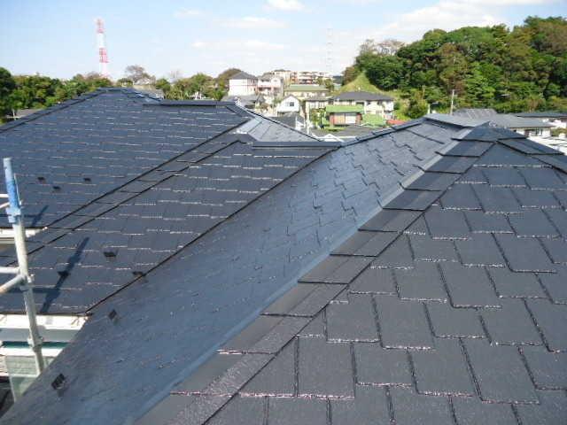 外壁に加えて屋根も塗装する場合の費用相場