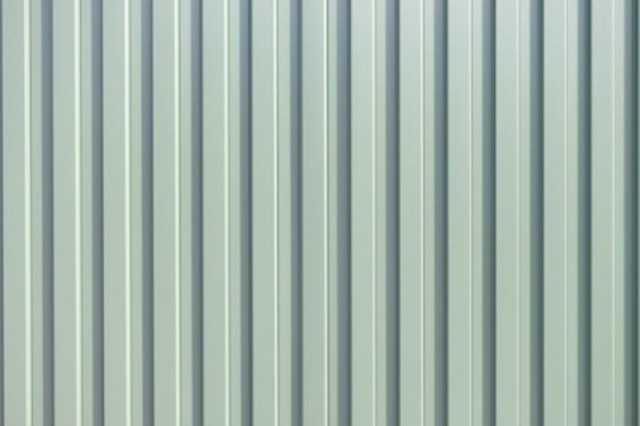 金属系サイディングの外壁は定期的に塗装して寿命を延ばそう
