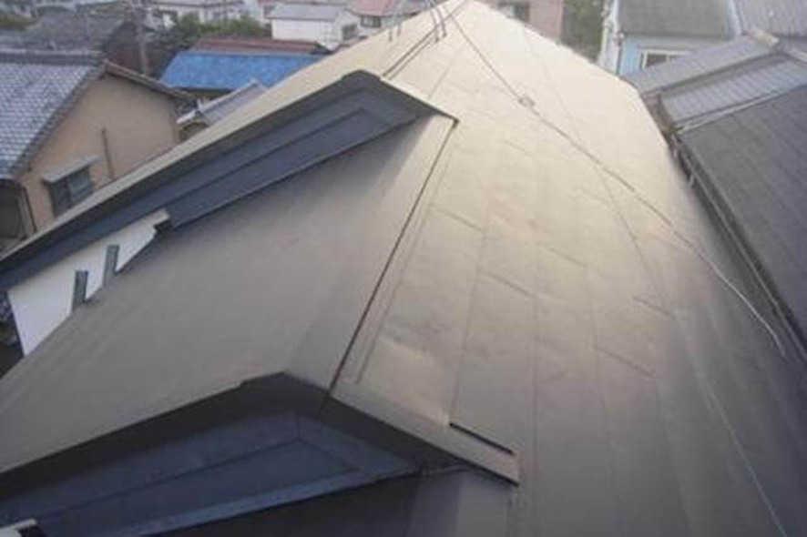 屋根の重ね葺き(カバー工法)