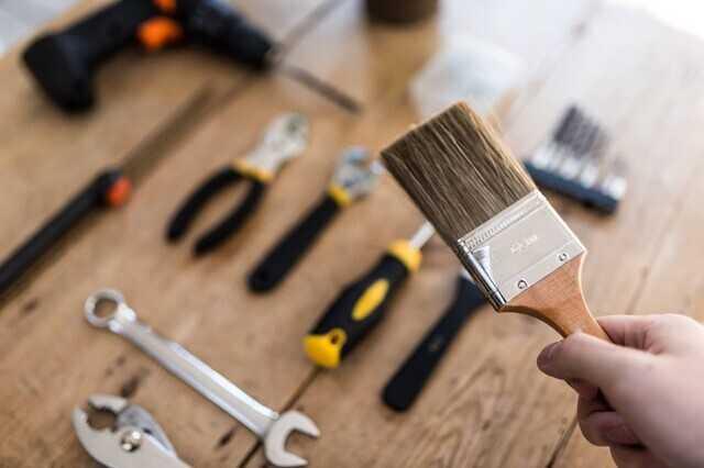 塗装剥離剤は正しい方法で使用することで安全に塗膜を剥がせる