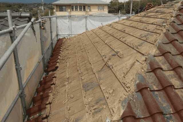 屋根の葺き替え工事と外壁の張り替えは、同時にするべき?メリット・デメリットを解説