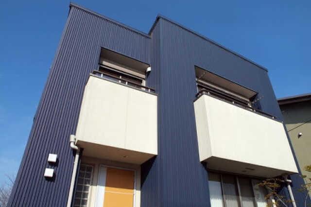 外壁の重ね張り(カバー工法)工事