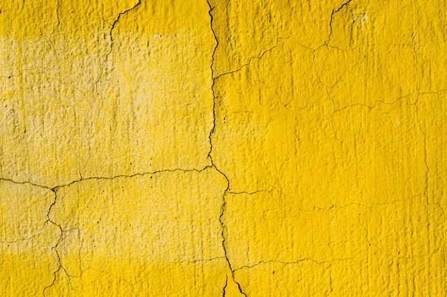 サイディングのひび割れを補修する方法とは?かかる費用相場や予防法なども解説