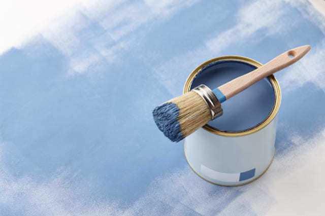 雨でも剥がれない水性塗料のメリットとデメリット