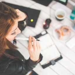 主婦におすすめの副業9選!向き不向きや単価アップのコツを解説