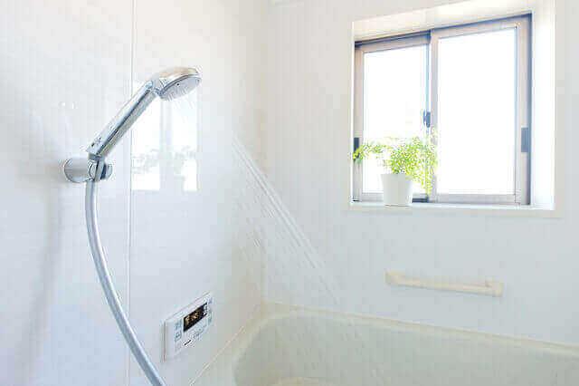 シャワーのみとお風呂のみ、ガス代を安く節約できるのはどっち?