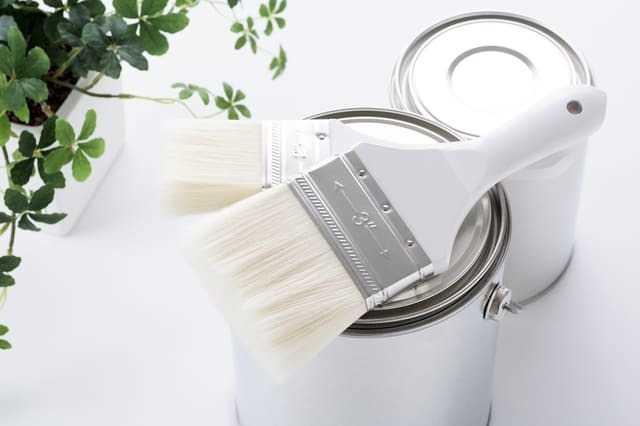 外壁塗装で適切な塗料や工法の種類を選ぶには