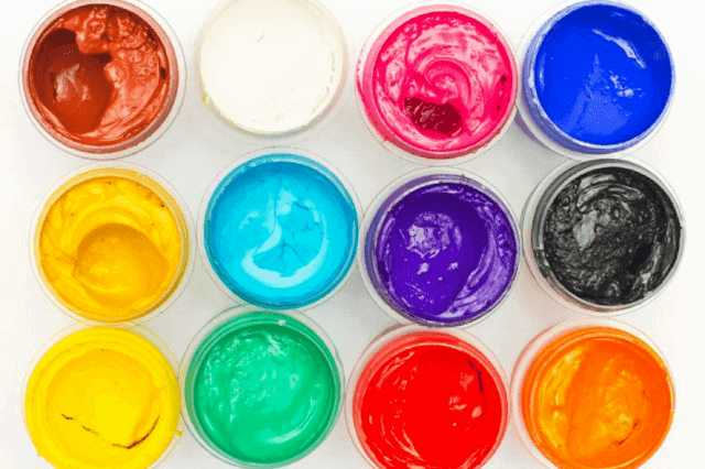 上塗り用の塗料
