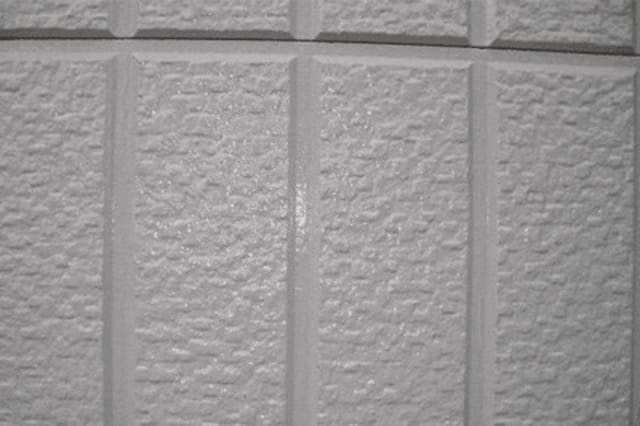 外壁のクラック補修が必要な理由